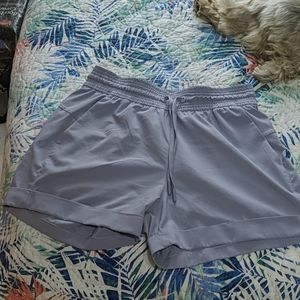 Lululemon spring break away shorts